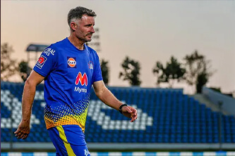 Chennai Super Kings batting coach Mike Hussey tests negative for Covid-19 but remains in Quarantine