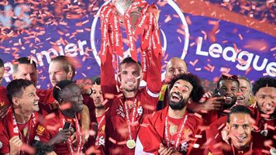 Liverpool lift the premiere league trophy